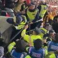 Violențe extreme pe Wembley! Cum au fost dați afară din stadion polițistii britanici de către fanii maghiari VIDEO