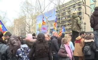 Violente la Barcelona: Mii de catalani au iesit in strada dupa arestarea lui Puigdemont, politia a inceput sa-i bata - UPDATE