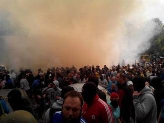 Violentele din Ucraina se extind: Lupte de strada in Odessa, soldate cu morti si cladire in flacari (Video) Update
