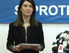 """Violeta Alexandru spune ca modul de lucru al Casei de Pensii s-a oprit la anii ''60. Fostul ministru al Muncii o acuza ca vrea """"sa dea, rapid, tunuri"""""""