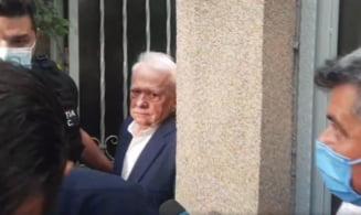 Viorel Hrebenciuc și Laura Georgescu, ridicați de polițiști și duși la penitenciar VIDEO