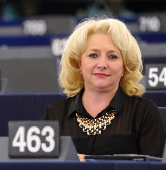 Viorica Dancila a votat in PE un raport favorabil casatoriei intre persoanele de acelasi sex