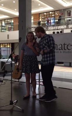Viral: Cantaret celebru, moment inedit intr-un mall - ce a facut artistul (Video)