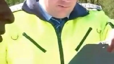 Viral: Cum s-a facut de ras un politist de la Rutiera si un timisorean a scapat de amenda (Video)