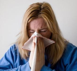 Virusul periculos care a facut 100 de morti in Europa a ajuns in Romania: Cum se manifesta gripa si ce poti face