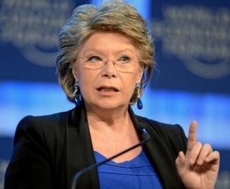 Viviane Reding: Polemicile din jurul rromilor romani si bulgari din Franta, folosite in scopuri electorale
