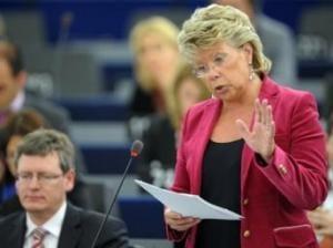 Viviane Reding: arestarile din vami demonstreaza ca justitia incepe sa functioneze
