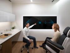 Vizita la medic, reinventata de un veteran Google. Cabinetul lui seamana cu un Apple Store cu echipamente ca din filme SF