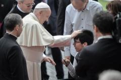 Vizita papei Francisc in Iasi s-a incheiat: A recitat din Eminescu si a salutat multimea in limba romana (Foto&video)