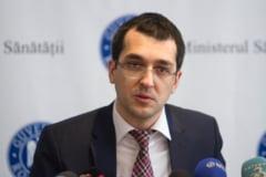 Vlad Voiculescu: Gabrielei Firea nu-i pasa ca au fost batuti si gazati oameni. Ii pasa doar ca ea pierde