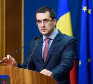 Vlad Voiculescu: O adunatura de secaturi vrea toata puterea. Guvernul va fura banii de pensii