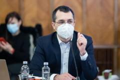 """Vlad Voiculescu, atacat de mai multi lideri liberali si de premierul Citu: """"A intarziat nepermis de mult cu salariile medicilor"""""""