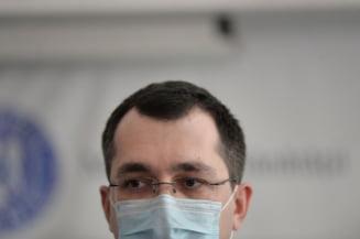 """Vlad Voiculescu, despre acuzatia ca ar fi dorit sa mute transplanturile la Viena: """"Acordul nu era facut de mine, avea cel putin zece ani"""""""