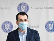"""Vlad Voiculescu a facut publica propunerea MS pentru campania de vaccinare. """"Le-am propus presedintelui si premierului ca prioritatea zero sa fie vaccinarea celor batrani"""""""