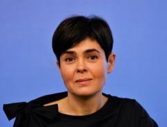 "Vlad Voiculescu compara cazul Andreei Moldovan cu al Laurei Codruta Kovesi: ""Statul roman a ales sa actioneze la fel"""