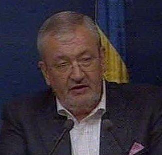 Vladescu: Si daca maream taxele, tot trebuia sa taiem salariile