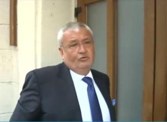 Vladescu isi recapata lingourile de aur, puse garantie in contul cautiunii de 1 milion de euro