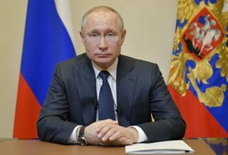 Vladimir Putin anunță că zeci de persoane din anturajul său au COVID-19