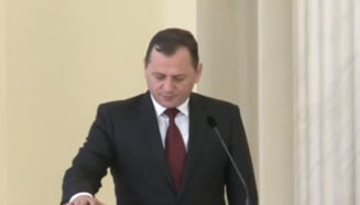 Vlase a depus juramantul pentru functia de director al SIE. Fara comentarii de la Iohannis