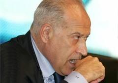 Voiculescu il acuza pe Basescu ca a influentat Justitia in cazul Papici si cere o noua suspendare