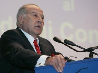 Voiculescu renunta la imunitate: Si-a dat demisia din nou din Senat