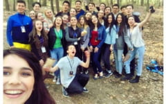 Voluntari in slujba semenilor: povestea elevilor care si-au unit eforturile pentru a-i ajuta pe cei aflati in nevoie