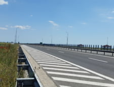 Vor fi restrictii de trafic incepand de azi, pe Autostrada Soarelui. Kilometri intregi de sosea intra in reparatii