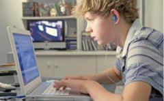 """Vorbiti mesagereza? - cum arata limbajul adolescentilor din generatia """"messenger"""""""
