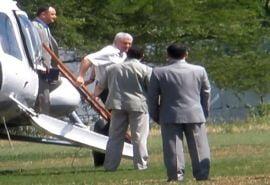 Voronin merge la intalnirile electorale cu un elicopter platit din banii statului
