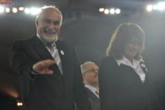 Vosganian: Basescu ii iubeste pe romani doar in campanie