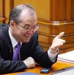 Vosganian a spus bancuri cu Boc in Parlament. Boc nu i-a ramas dator