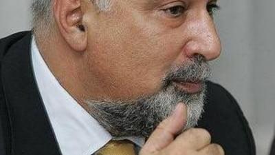 Vosganian nu vede cu ochi buni contractul de privatizare Petrom