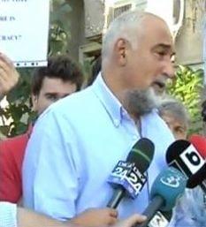 Vosganian participa la protestele din fata Palatului Cotroceni