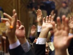 http://thumbs.ziare.com/Votul-motiunii---incidente-si-evenimente-minut-cu-minut/29f408957658c8330/240/0/1/70/Votul-motiunii---incidente-si-evenimente-minut-cu-minut.jpg