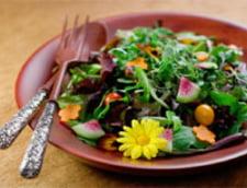 Vrei o salata sanatoasa? Iata de ce ingrediente ai nevoie