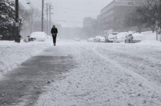 Vreme extrema in sudul tarii. Zeci de drumuri sunt blocate de nameti. Mai multe gravide, preluate cu senilata