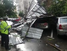 Vremea rea face pagube in tara: Noua autoturisme avariate in Gorj si Caras-Severin, magazine inundate in Cernavoda