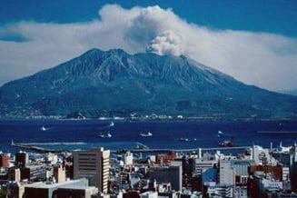 Vulcanii din Japonia sunt gata sa erupa