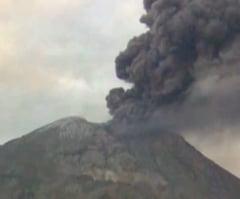 Vulcanul Ubinas din Peru a erupt. Mai multe localitati au fost acoperite cu cenusa (Video)