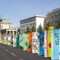 Walesa a daramat prima piesa a dominoului de la Berlin