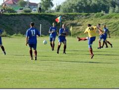Week-end plin cu fotbal pe terenurile din judet