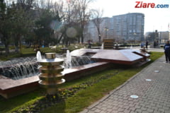 Weekend in Bucuresti: Targul Anticarilor, masini de epoca si bataie cu flori