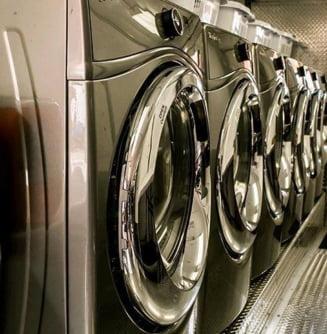 Whirlpool retrage 500.000 de masini de spalat vandute in UK. Iau foc daca spala la peste 20 de grade