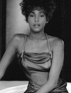 Whitney Houston, in turneu mondial, la anul - cum e posibil desi e moarta de 3 ani