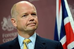 William Hague: Marea Britanie nu va furniza arme Ucrainei