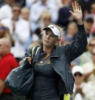 Wozniacki, eliminata de la US Open cu o racheta imprumutata (Video)