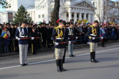 ZIUA NATIONALA A ROMANIEI/ La Galati, EXERCITII CU ARME numai pentru oficialitati (FOTO)