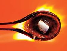 Zaharul otraveste femeile cu lingurita