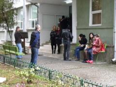 Zeci de candidati au picat proba scrisa a concursului pentru directori de scoli