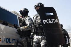 Zeci de cersetori, minori nesupravegheati si migranti, gasiti de politistii de la Transporturi in ultimele doua zile in gari si in trenuri
